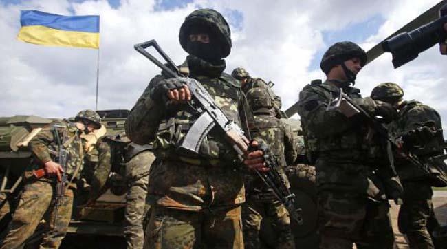 Доба в АТО: неспокійно поблизу Донецька і Пісках