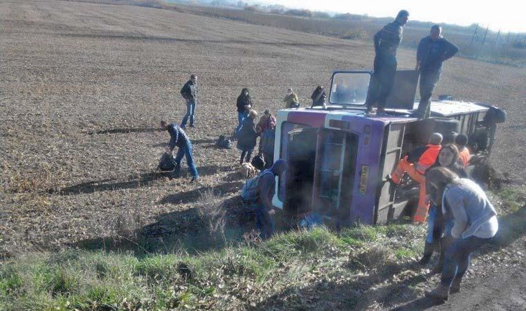 Через ремонт дороги на Прикарпатті перекинувся автобус із пасажирами