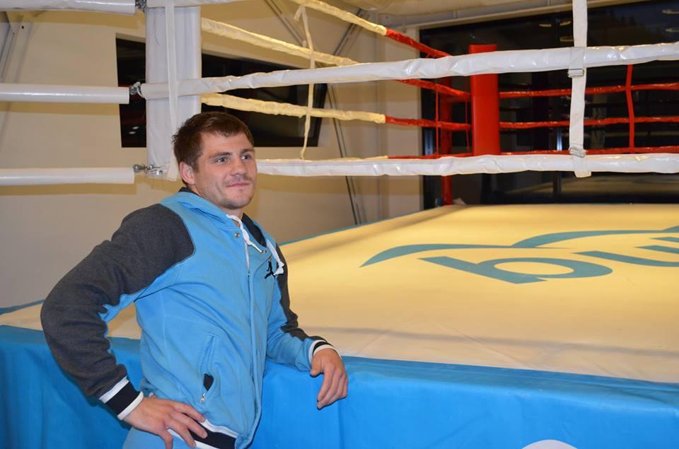 Відомий український боксер Денис Берінчик готується до бою у Буковелі (фото)