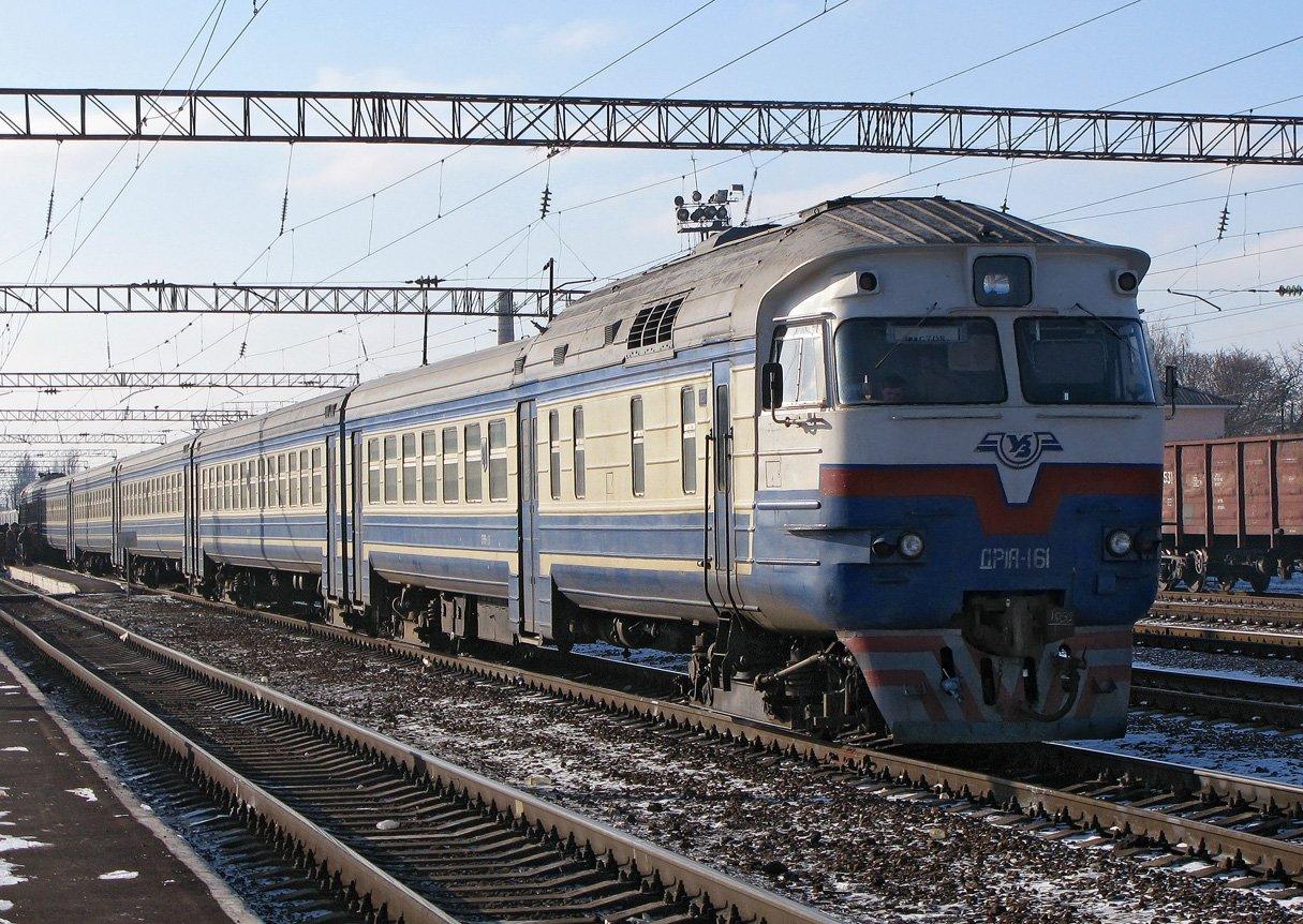 """""""Укрзалізниця"""" призначила шість додаткових поїздів на Захід України до новорічно-різдвяних свят"""