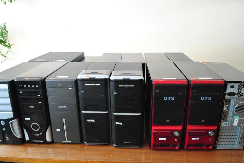 Манявський навчально-виховний комплекс отримав у подарунок від компанії SoftServe 15 комп'ютерів