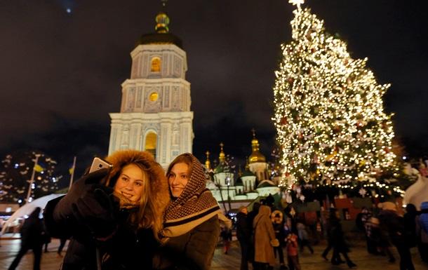 Головна новорічна ялинка України вирушає з Прикарпаття до Києва
