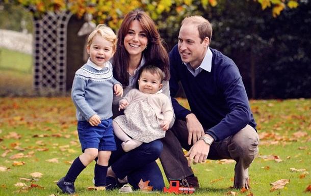 Британська королівська сім'я показала різдвяне фото
