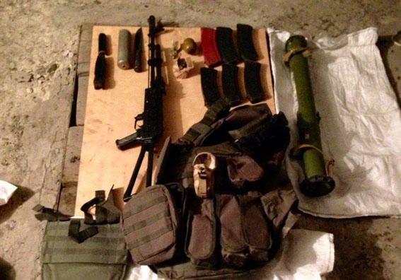 Поліція Донеччини затримала прикарпатського військового, який скоїв майже 30 тяжких злочинів (фото)
