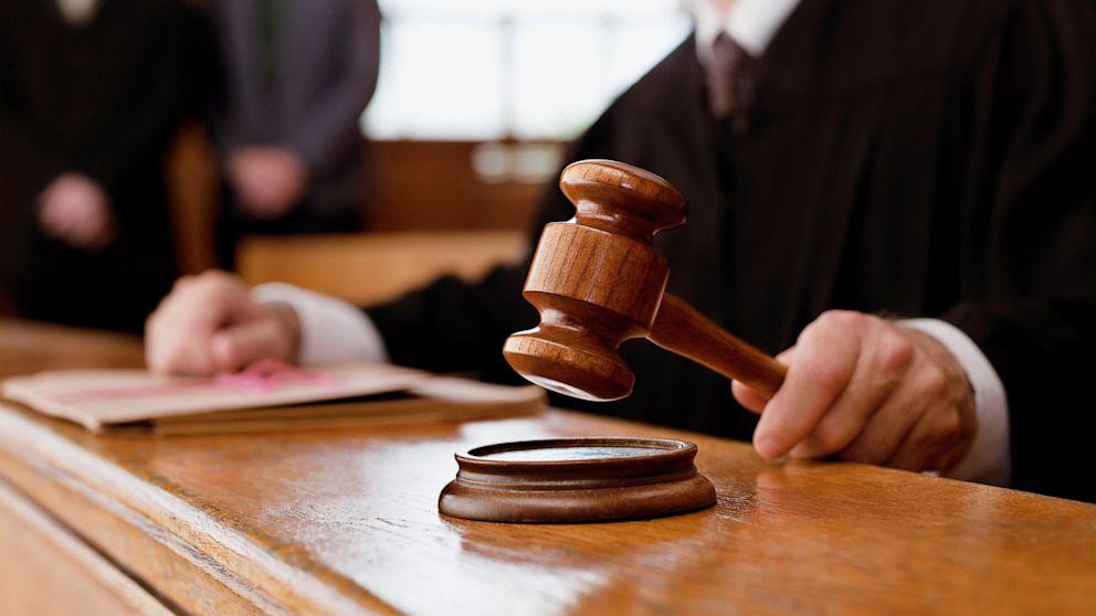 На Прикарпатті суд визнав колишнього голову сільради корупціонером за невчасне подання декларації