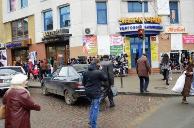 За порушення ПДР у Франківську штрафуватимуть не тільки водіїв