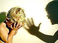 На Прикарпатті суд оштрафував вагітну жінку, яка п'яною побила малолітніх дітей