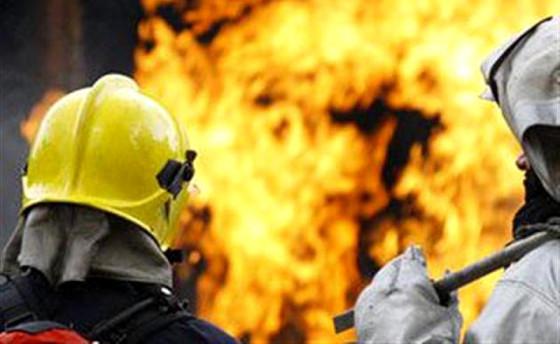 В Івано-Франківську рятувальники евакуювали із палаючої квартири шестеро людей, серед них троє дітей