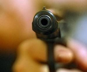Івано-Франківські патрульні затримали нетверезого охоронця зі зброєю. ФОТО