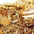 Дівчина з Франківщини поцупила золоті вироби у подруги