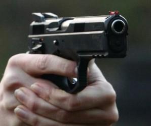 Озброєний чоловік у протигазі пограбував поштове відділення в Харкові
