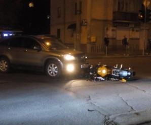 У Франківську водій мотоцикла, який потратив у ДТП, втік з місця події. ФОТО