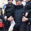 Франківські копи закликають іванофранківців робити з ними селфі