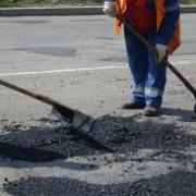 Очільнику Івано-Франківська не подобається, що комунальники кволо ремонтують вулиці