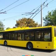 У Франківську на переході тролейбус ледь не наїхав на вагітну жінку з дитиною у візку