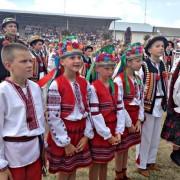 Ексклюзив. На Прикарпатті встановили рекорд Україні із наймасовішого виконання коломийки (фото+відео).