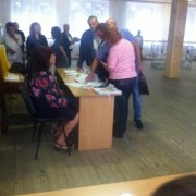 У Калуші кандидат в нардепи Ольга Сікора намагалася проголосувати без паспорта (фотофакт)