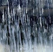 Прикарпатцям радять захопити парасольки. На заході України передають грози та град