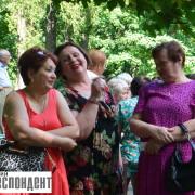 """""""Сорі, внучки"""": як пенсіонери в міському парку танцювали (ФОТО)"""