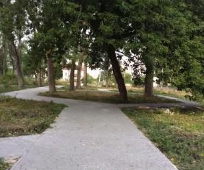До Дня Незалежності на Пасічній відкриють сквер (ФОТО)