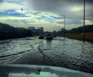В Івано-Франківську за день випала місячна норма опадів (фото)