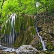 10 дивовижних водоспадів України