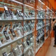 Прикарпатський рецидивіст викрав із магазину мобільних телефонів на суму 130 тисяч гривень