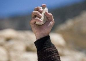 На Верховинщині молодий чоловік ледь не убив каменюкою свого родича-пенсіонера