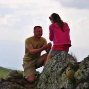 Боєць АТО освідчився коханій на горі Піп Іван (ФОТО)