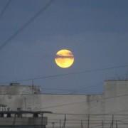 Калушани діляться в соцмережах красивими світлинами вчорашнього повного місяця