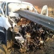 Рятувальники вирізали дорожній відбійник з авто, яке зазнало аварії на Рогатинщині