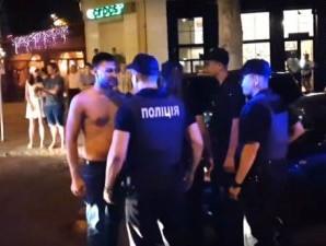 """У Миколаєві поліція не може вгамувати агресивних """"мажорів"""" – з'явилось відео"""