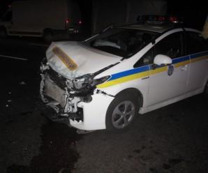 """На Прикарпатті """"фура"""" протаранила поліцейське авто. Загинув один правоохоронець"""
