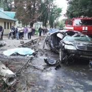Смертельна аварія у Коломиї: автомобіль на великій швидкості трощив все на шляху (відео)