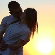 Вчені спростували міф про кохання з першого погляду
