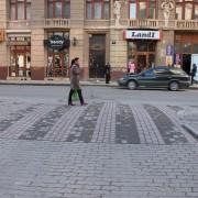 В Івано-Франківську замість лежачих поліцейський встановлять підняті пішохідні переходи (відео)