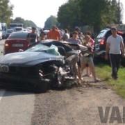 На Галичині BMW розколовся навпіл через шахрайство автомайстрів (відео)