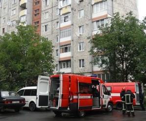 У Франківську на вулиці Хоткевича горів підвал (ФОТО, ВІДЕО)