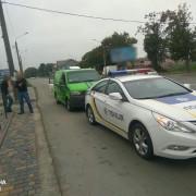 В Івано-Франківську патрульні зупинили автомобіль інкасаторів з нетверезим водієм (фото).