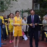 В Івано-Франківську відкрили сучасний спортмайданчик