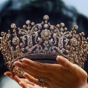 """""""Королева Прикарпаття"""" скаржиться в облраду, що не отримує надбавку до пенсії (фотофакт)"""