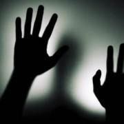 В Івано-Франківську поліція повелася з жінкою, як братва з підворіття