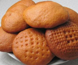 В одному із магазинів Івано-Франківська продають печиво з хробаками (фото).