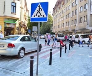 Новозбудований перехід на вул. Мартинця наробив чимало галасу у соцмережах.(відео)