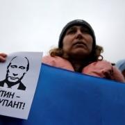 «Русский мир» у Криму: поля поливають каналізаційними водами, а ціни на продукти просто захмарні.