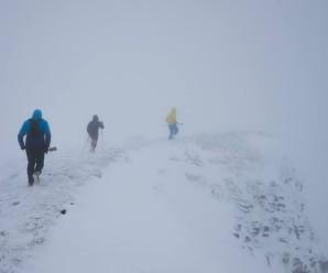 А у Карпатах знову йде сніг: штормове попередження (фото)