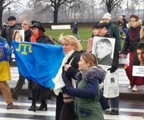 У Росії відбулася масова акція з українськими прапорами: з'явилися фото