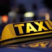 Таксистів примусять працювати легально
