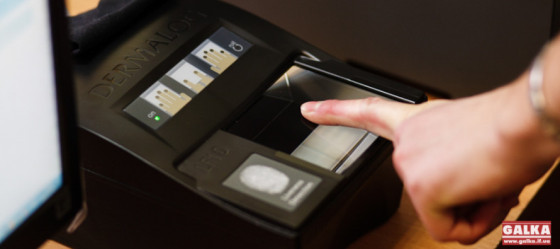 viza-dokumenti-biometriya-vidbitki-pasport-2-890x395