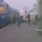 На Коломийщині потяг відрізав ногу хлопцеві – його занесли в тамбур, а медиків викликали на кінцевій станції (ФОТО)